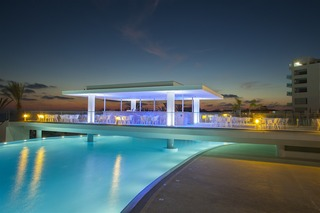 King Evelthon Beach Hotel Resort