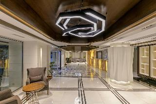B Business Hotel Spa
