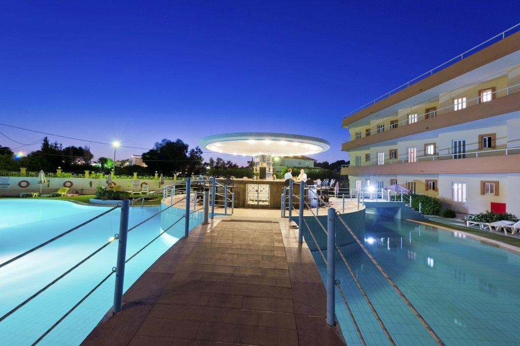 Hotel Bayside Katsaras